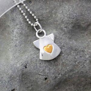 Guldhjärta 2018 1 smyckensmatt beskuren 1 e1534339396936 300x300 - Ängel med hjärta av guld